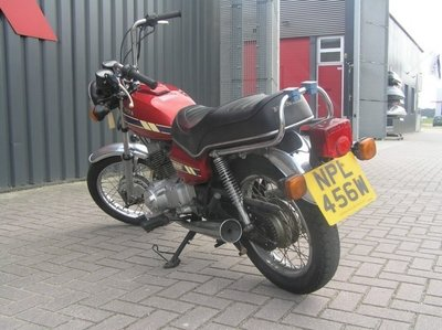 Opslag: Honda CM200 candy rood, 24.082 mijl