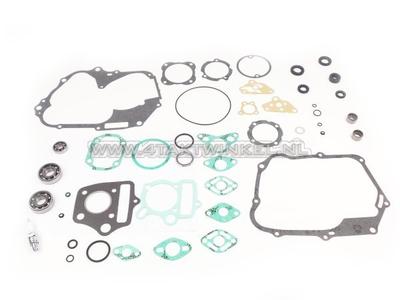 Overhaul kit, engine, SS50, C50, Dax, with needle bearings