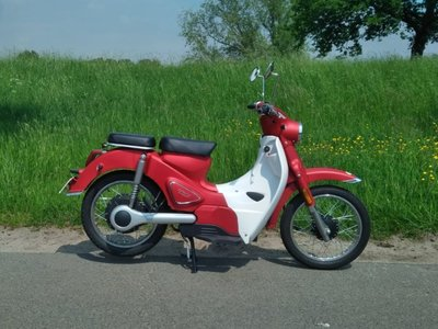 RESERVED! Cineco E-Classic, 1000w, electric, Red