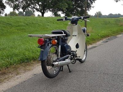 Honda C50, Injectie, press Cub, met kenteken!